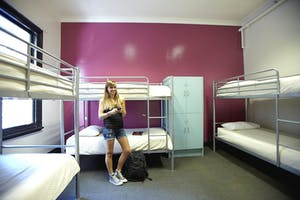 how to not make friends in a hostel