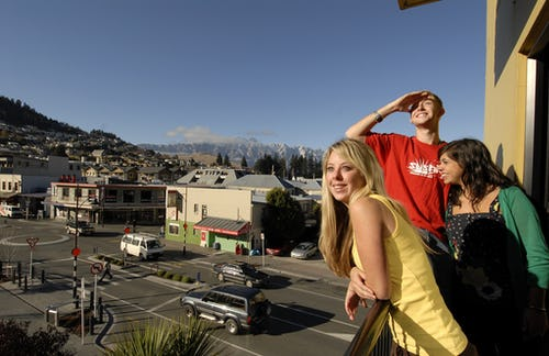 base backpackers queenstown balcony view