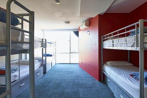 10 bed ensuite dorm at base st kilda hostel
