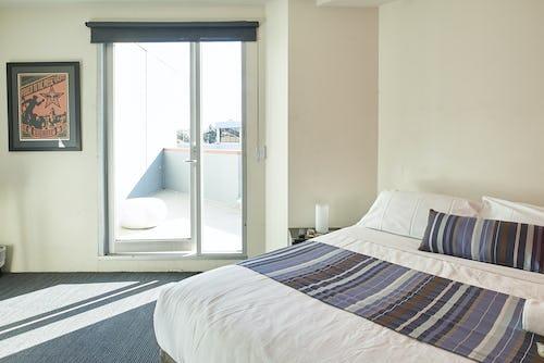 private double ensuite room at base melbourne hostel