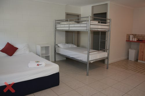 private budget double room with ensuite bathroom