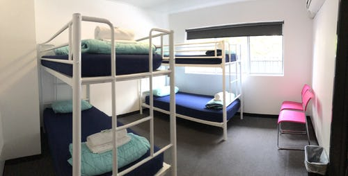 4 bed female dorm base backpackers brisbane