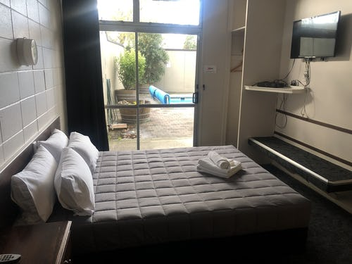 private accommodation at rotorua base hostel