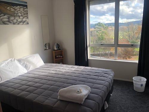 private room at base backpackers rotorua