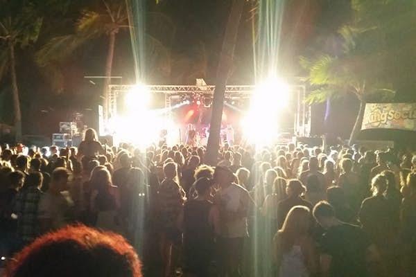live music base magnetic island bar