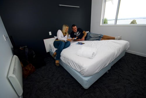 ensuite room taupo base backpackers