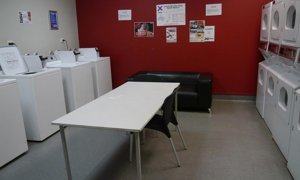 laundry room at base backpackers auckland