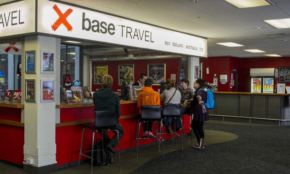 travel desk at base auckland backpackers