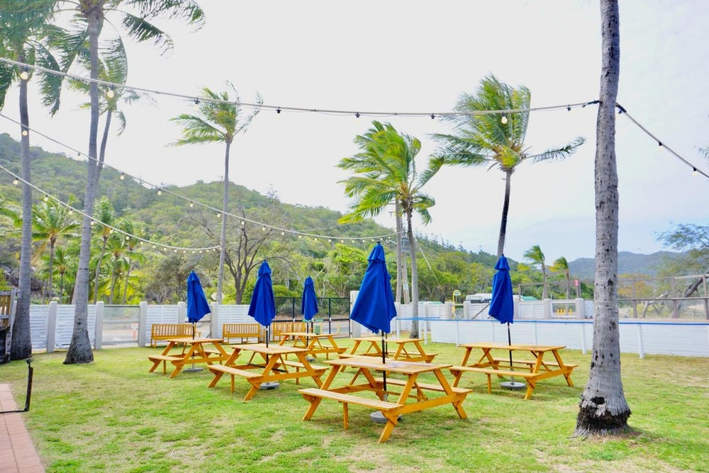 outdoor dining at base magnetic island