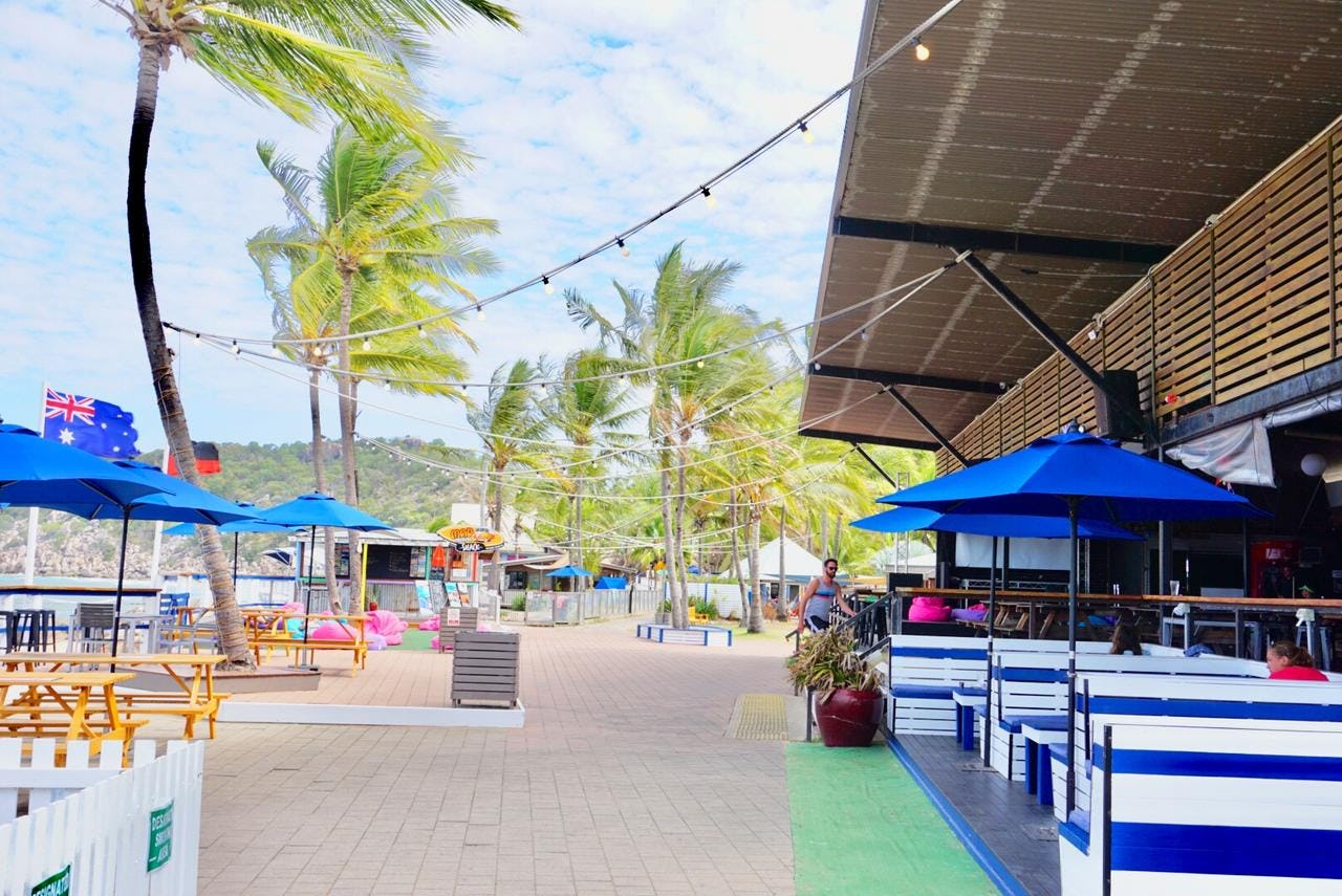 beer garden at base backpackers magnetic island