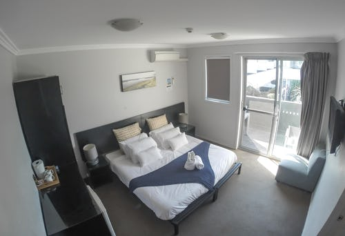 private room at nomads byron bay backpackers