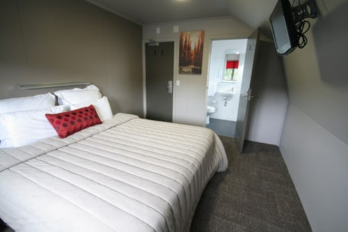double ensuite base backpackers wanaka