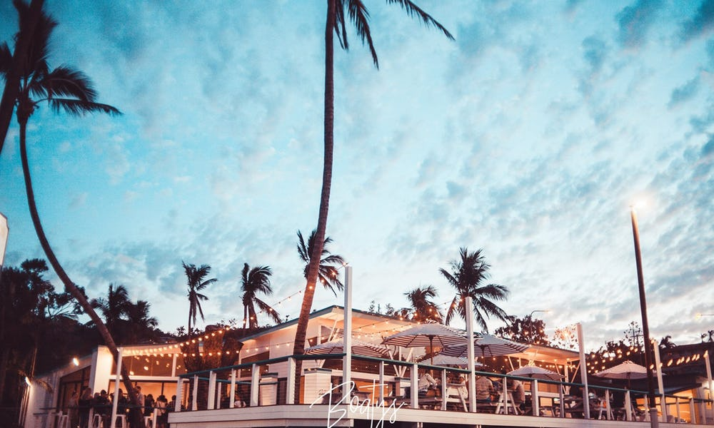 bar seating base airlie beach hostel
