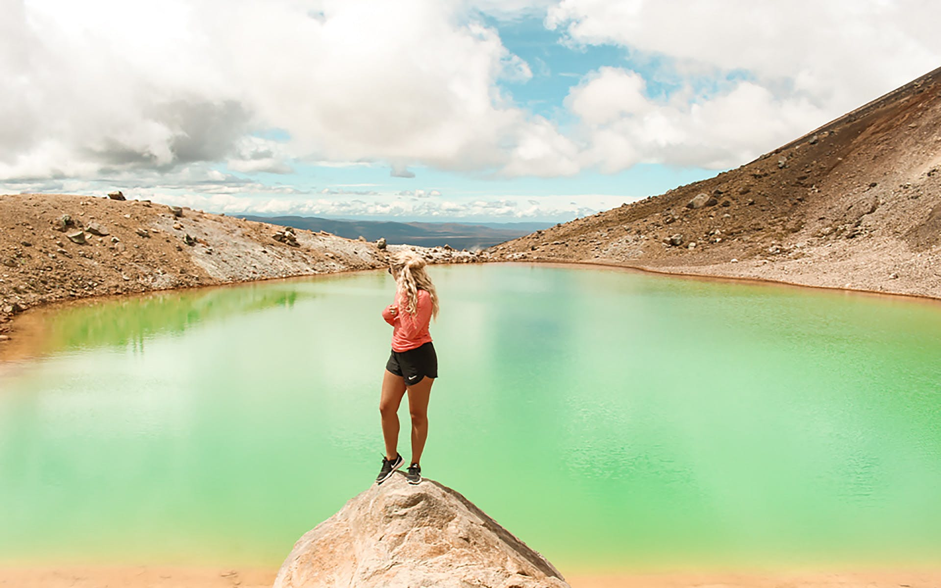 tongariro crossing with kiwi experience