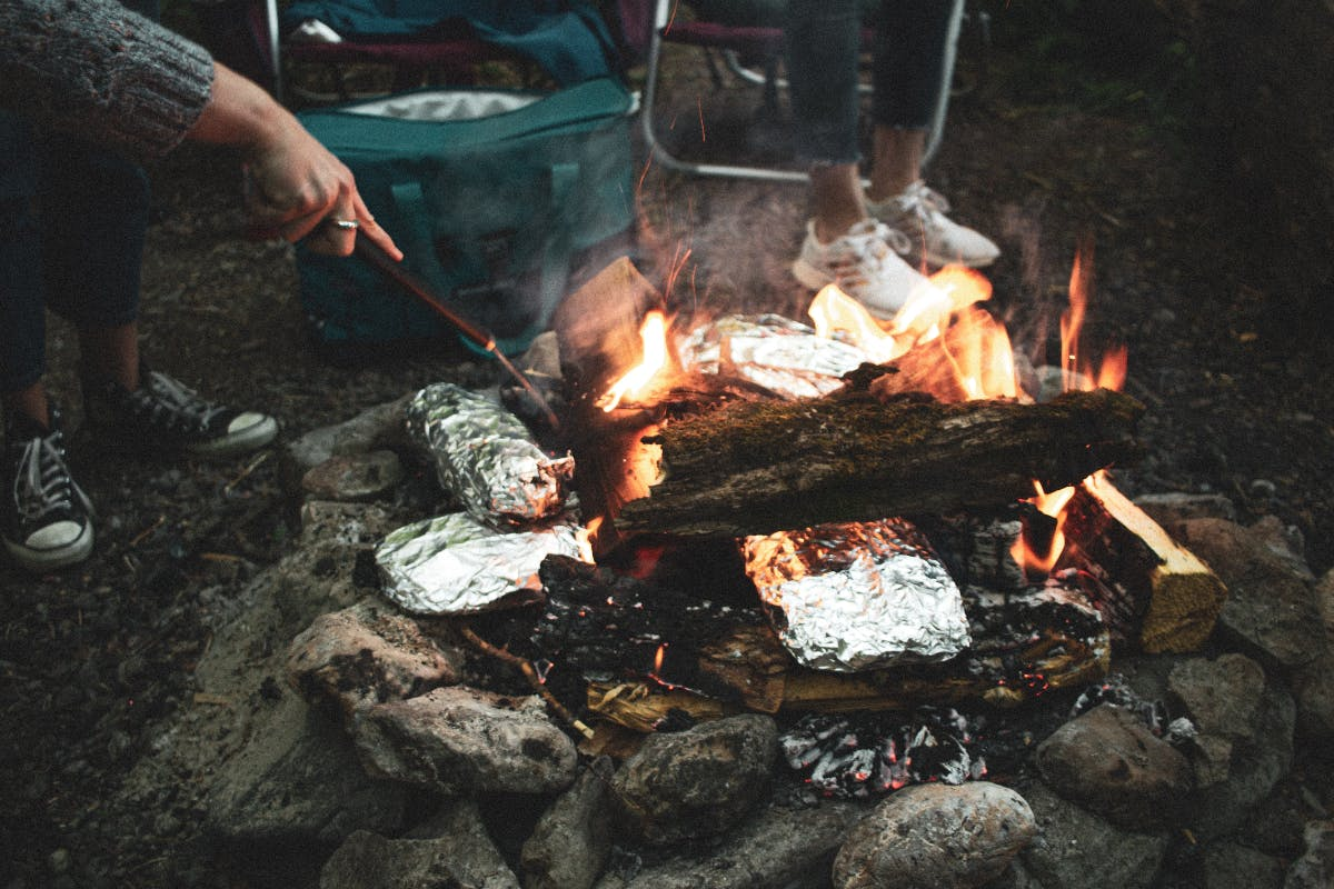 making a fire survival tips for travellers