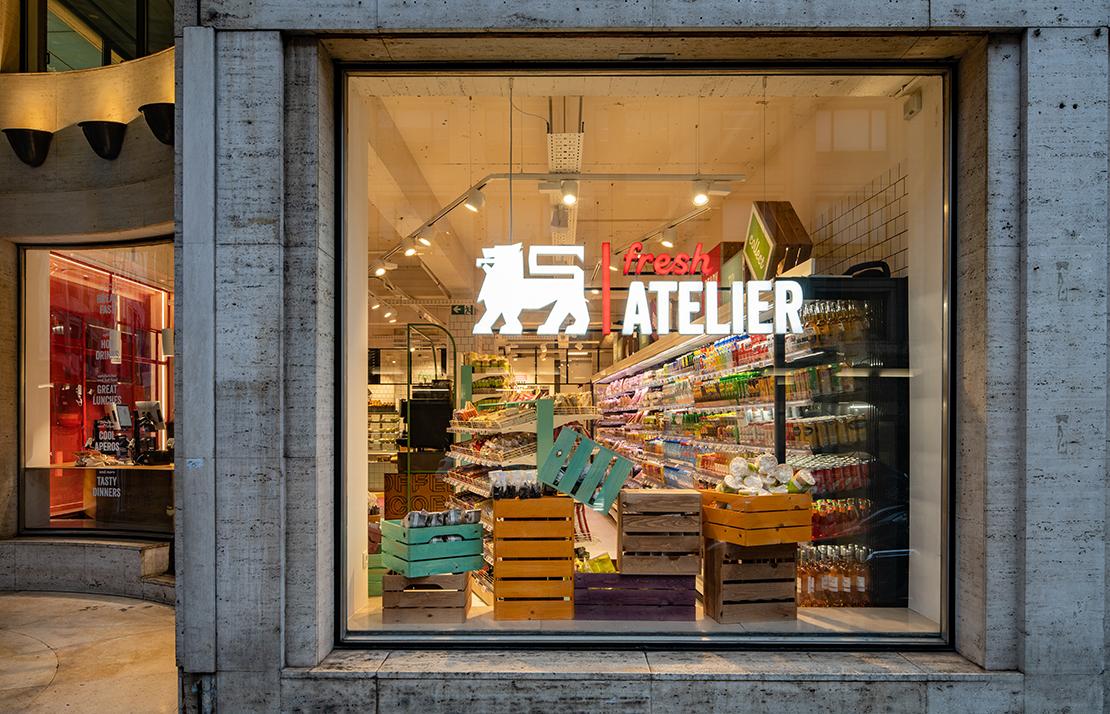Supermarket, food retail