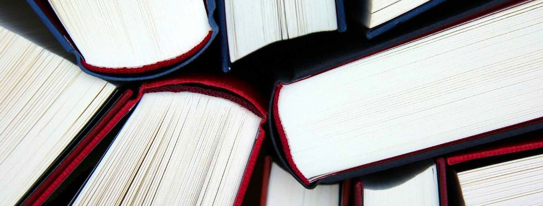 The 10 Best GMAT Books for {YEAR}