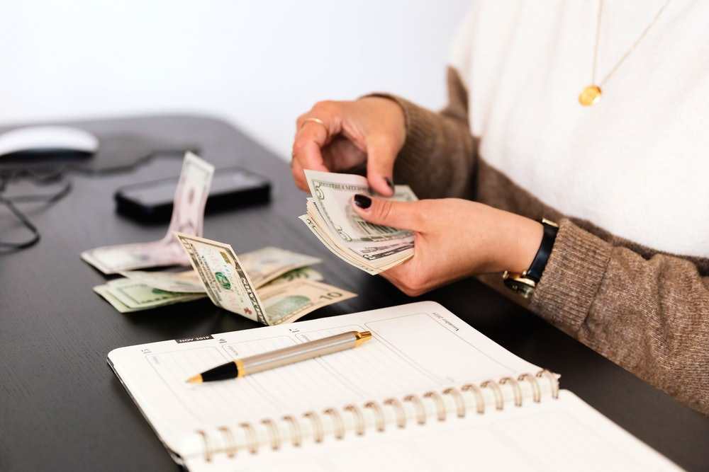 How to Evaluate the Compensation Package and Job Offer