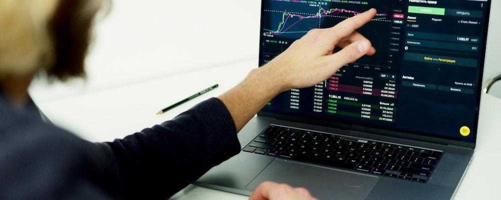 Top 12 Stock Brokers in the UK