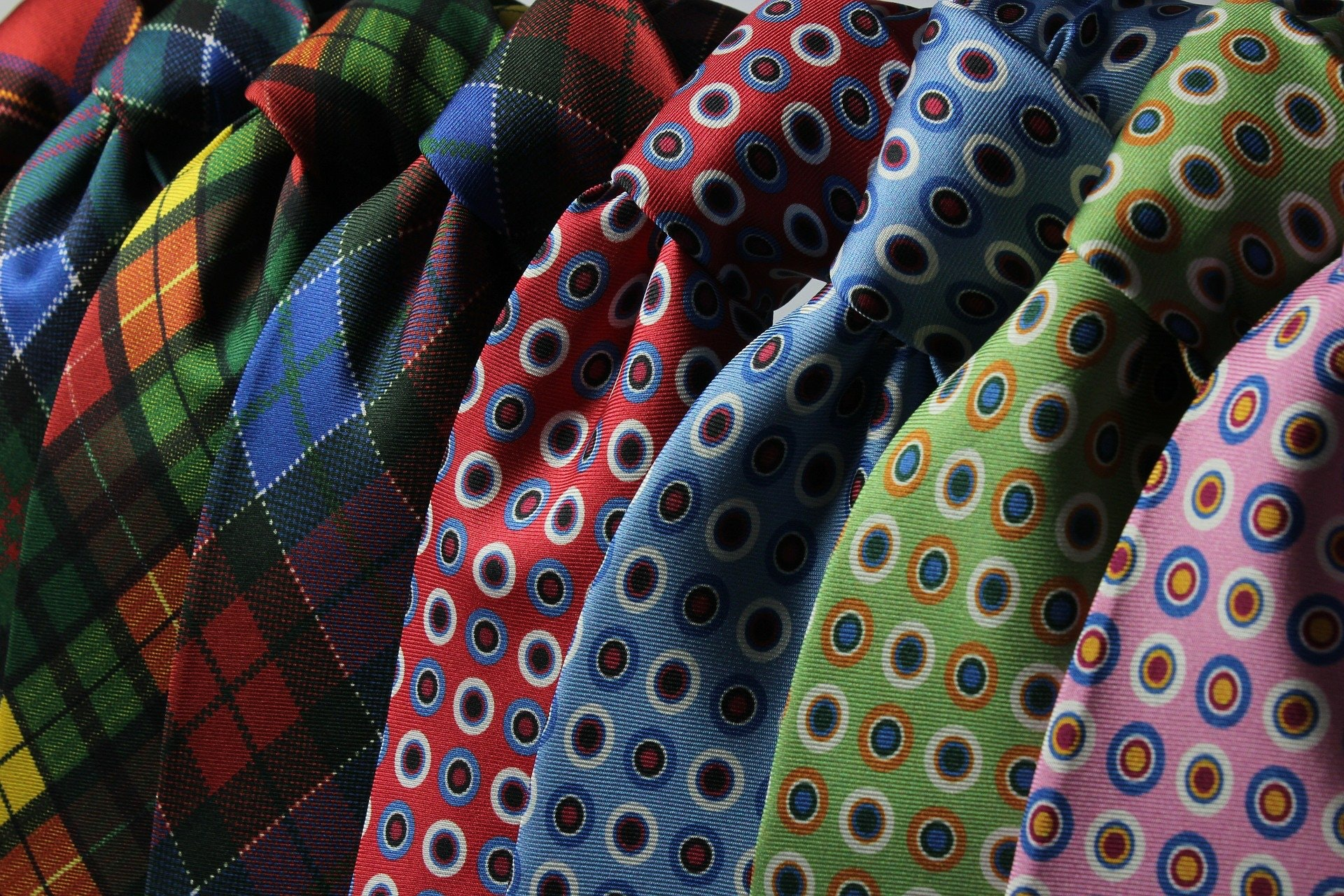 What's the Best Color to Wear for a Job Interview?