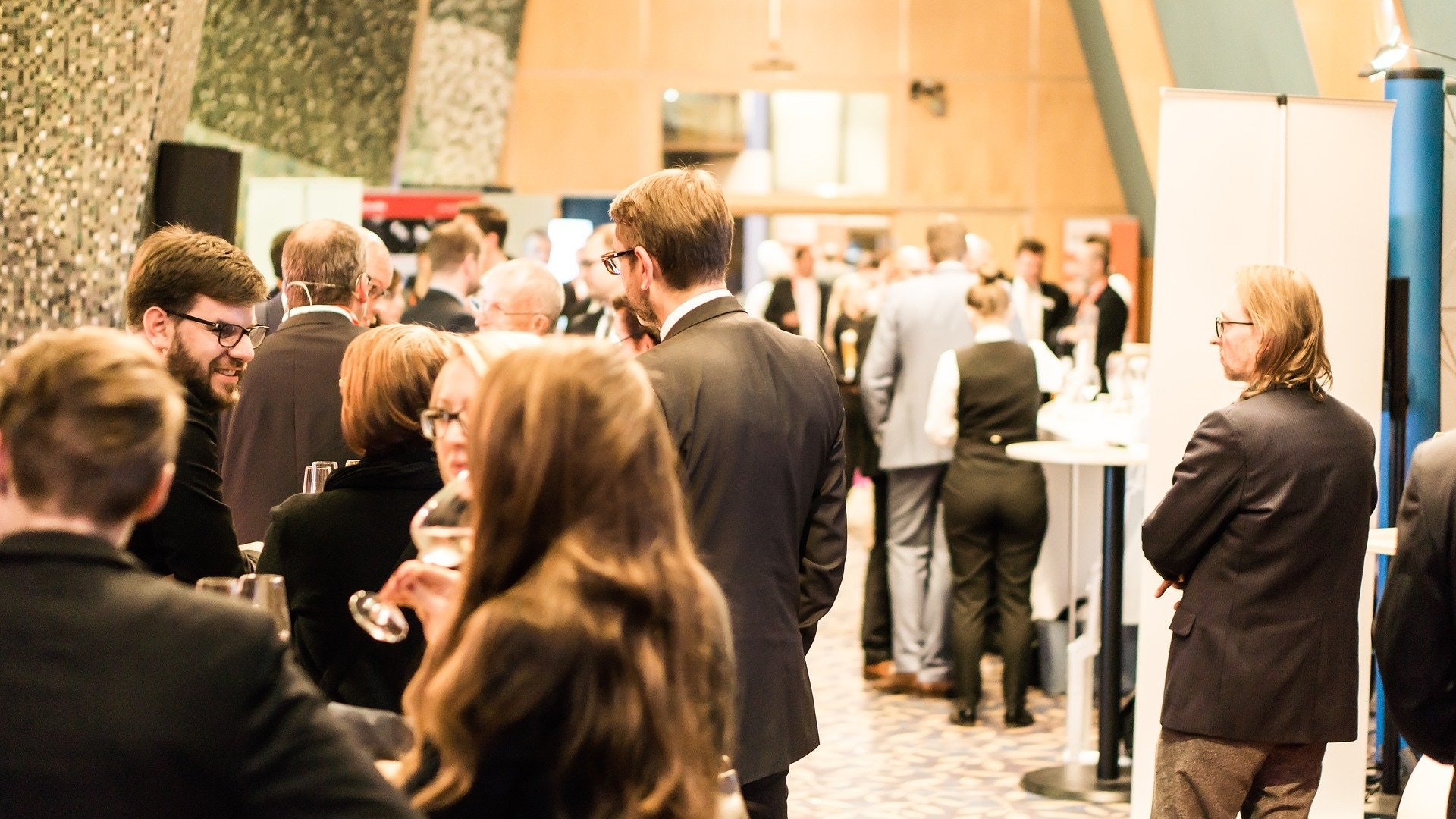 How to Navigate Your First Networking Event