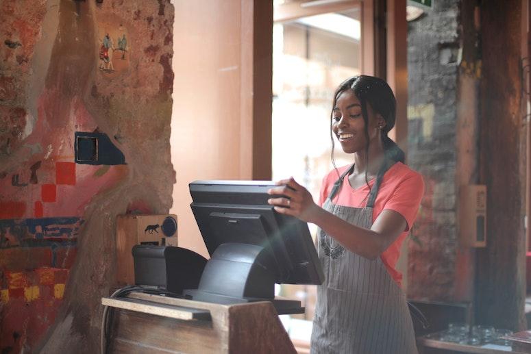 How to Write a Cashier Resume