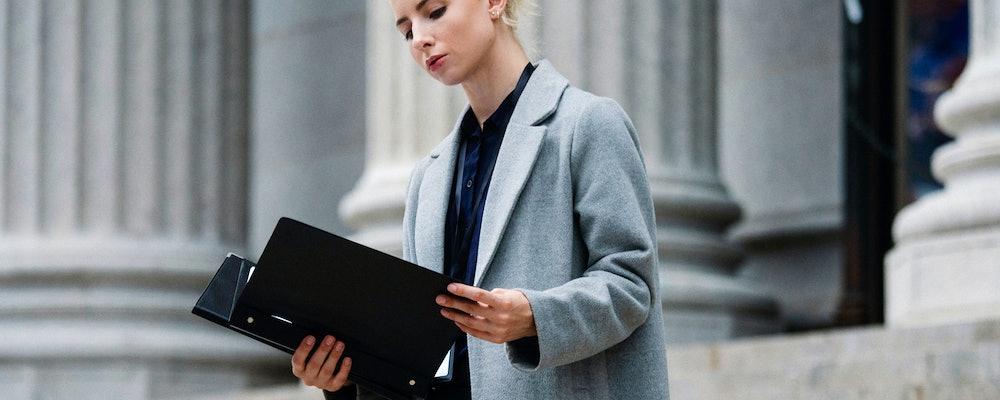 Paralegal vs Legal Assistant