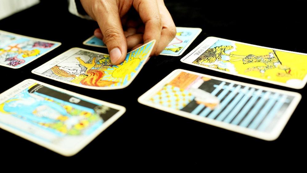 Cách sử dụng Tarot để dự đoán sự nghiệp của bạn