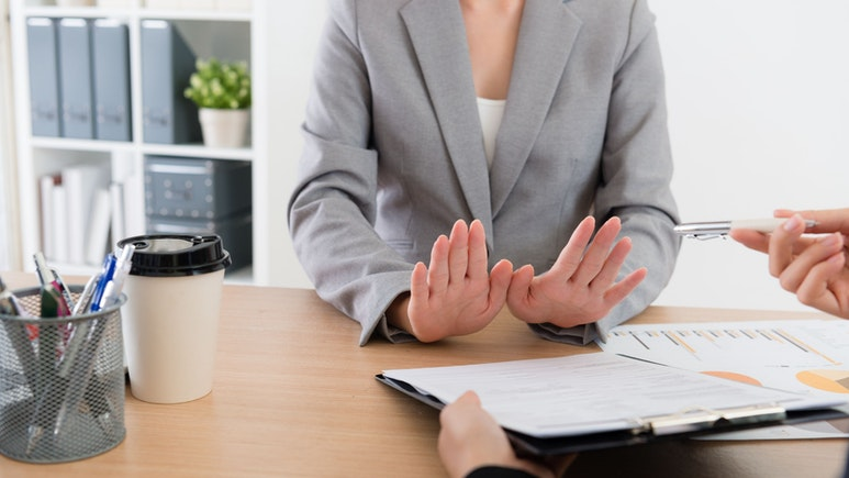 How to Turn Down an Interview Invitation