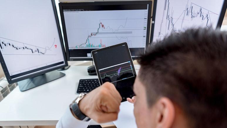 Top 3 Binary Options Brokers: US vs UK