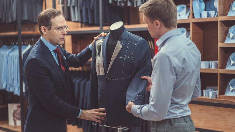 Best Men's Business Suits for Work 2021