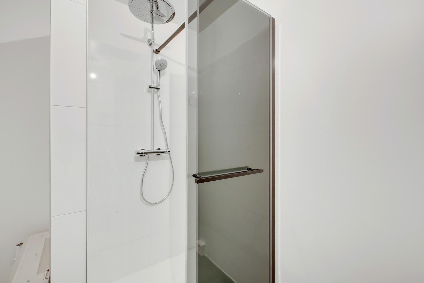 rénovation salle de bain avec bac de douche Clamart