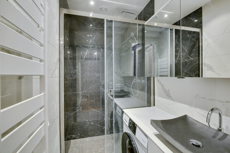 douche en marbre paris 14