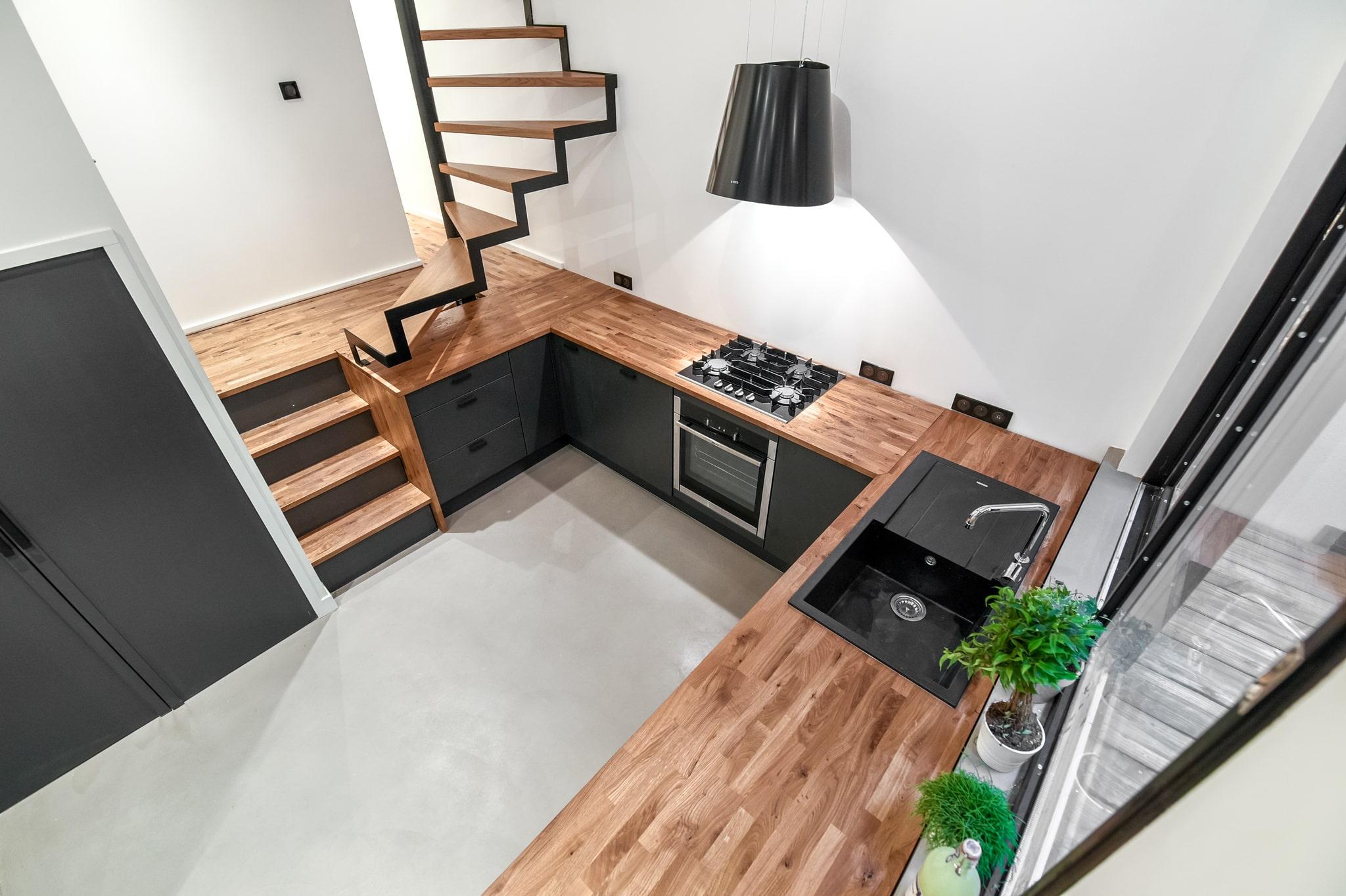 Rénovation complète et cuisine sur mesure, budget de 64 500 €