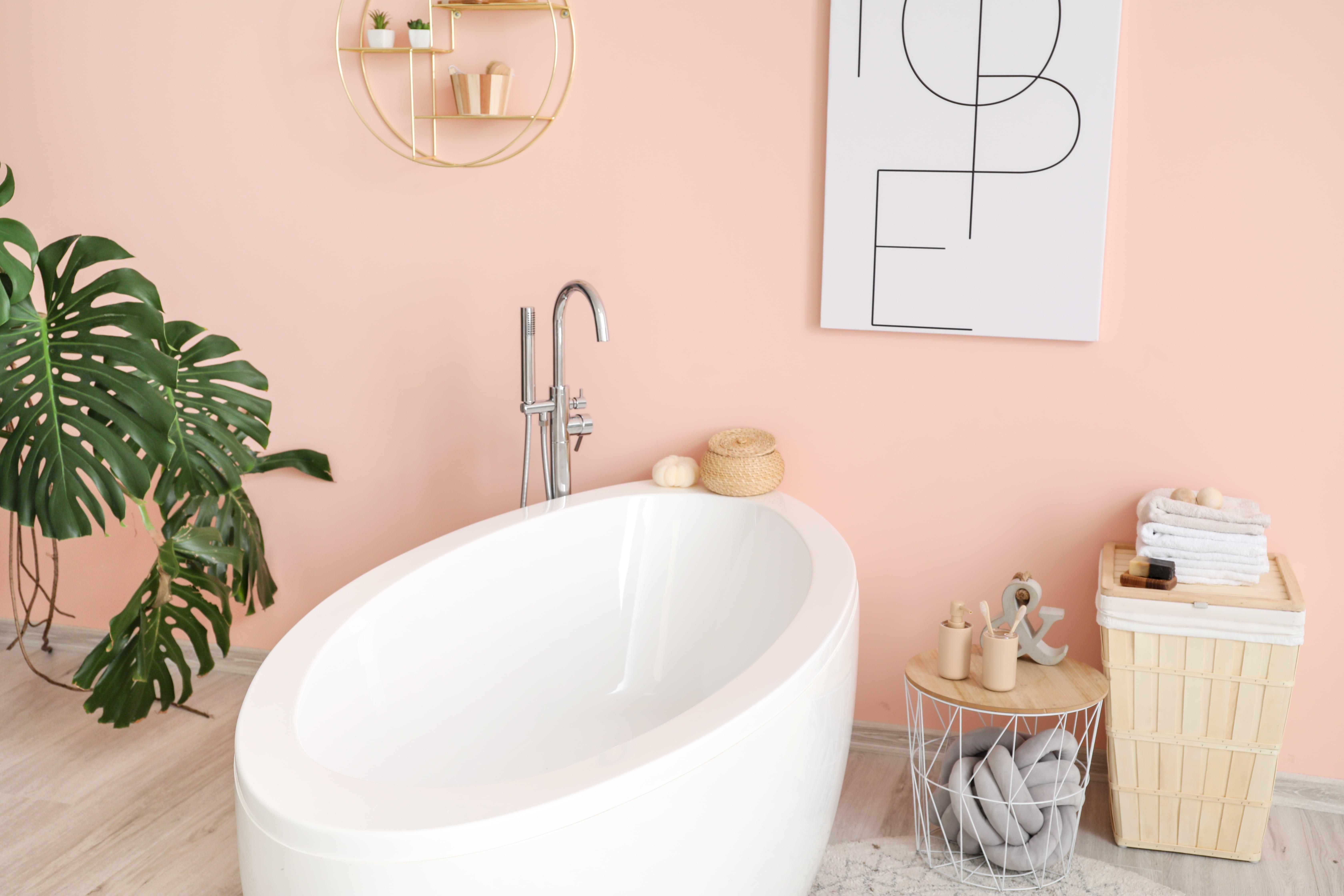 baignoire salle de bain rose