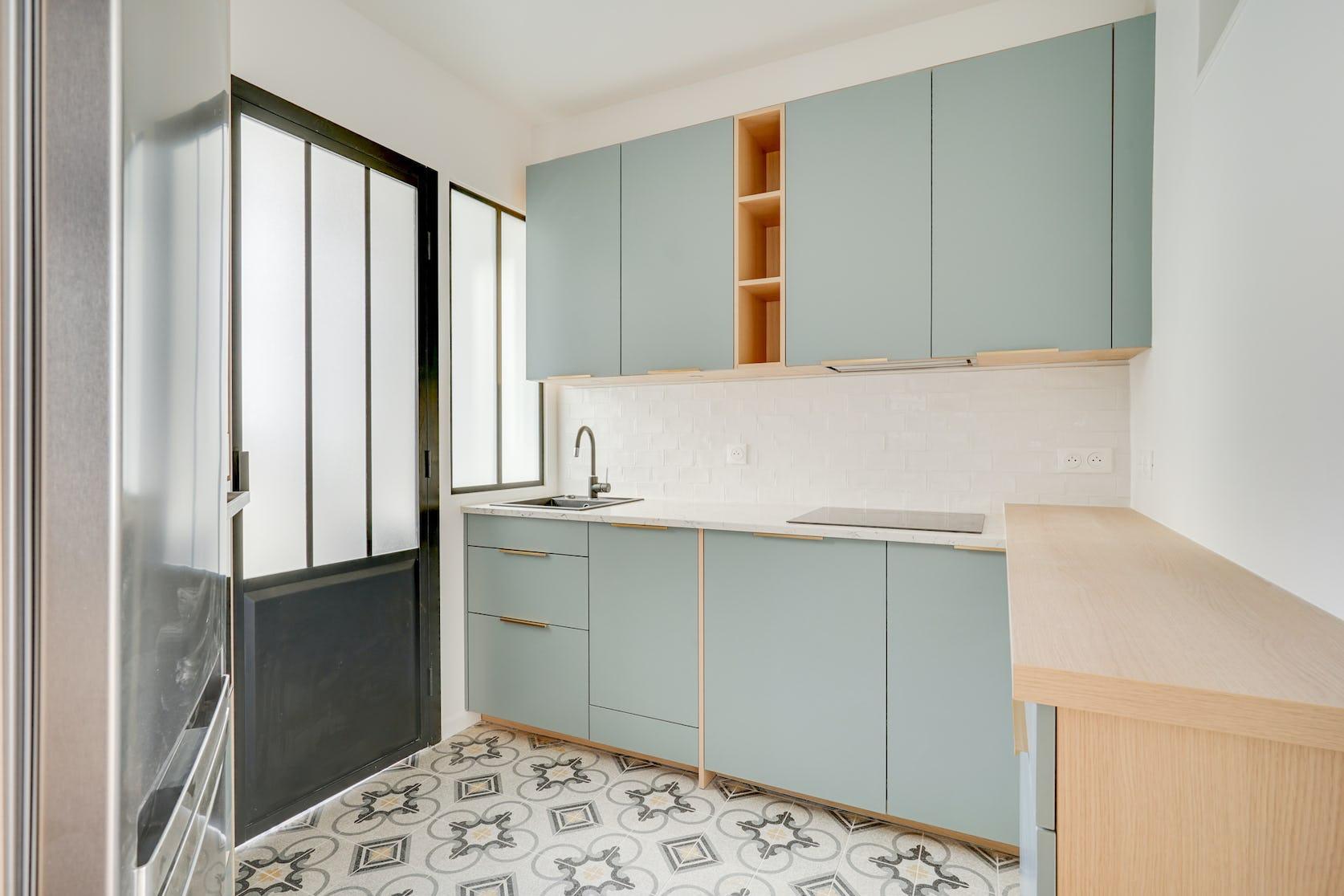 rénovation cuisine en L avec verrière