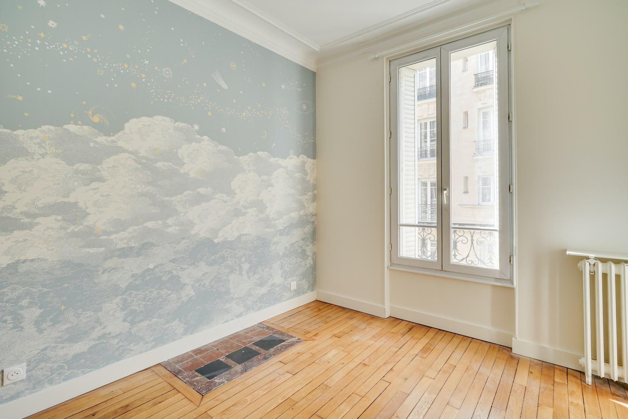 rénovation chambre pose papier peint