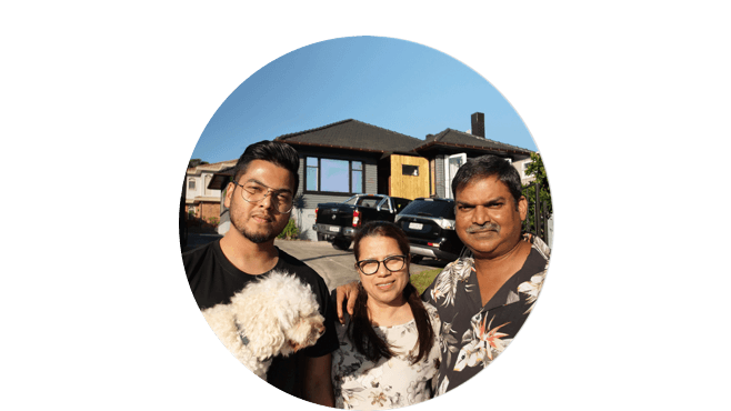 The Fernandes Family - Auckland
