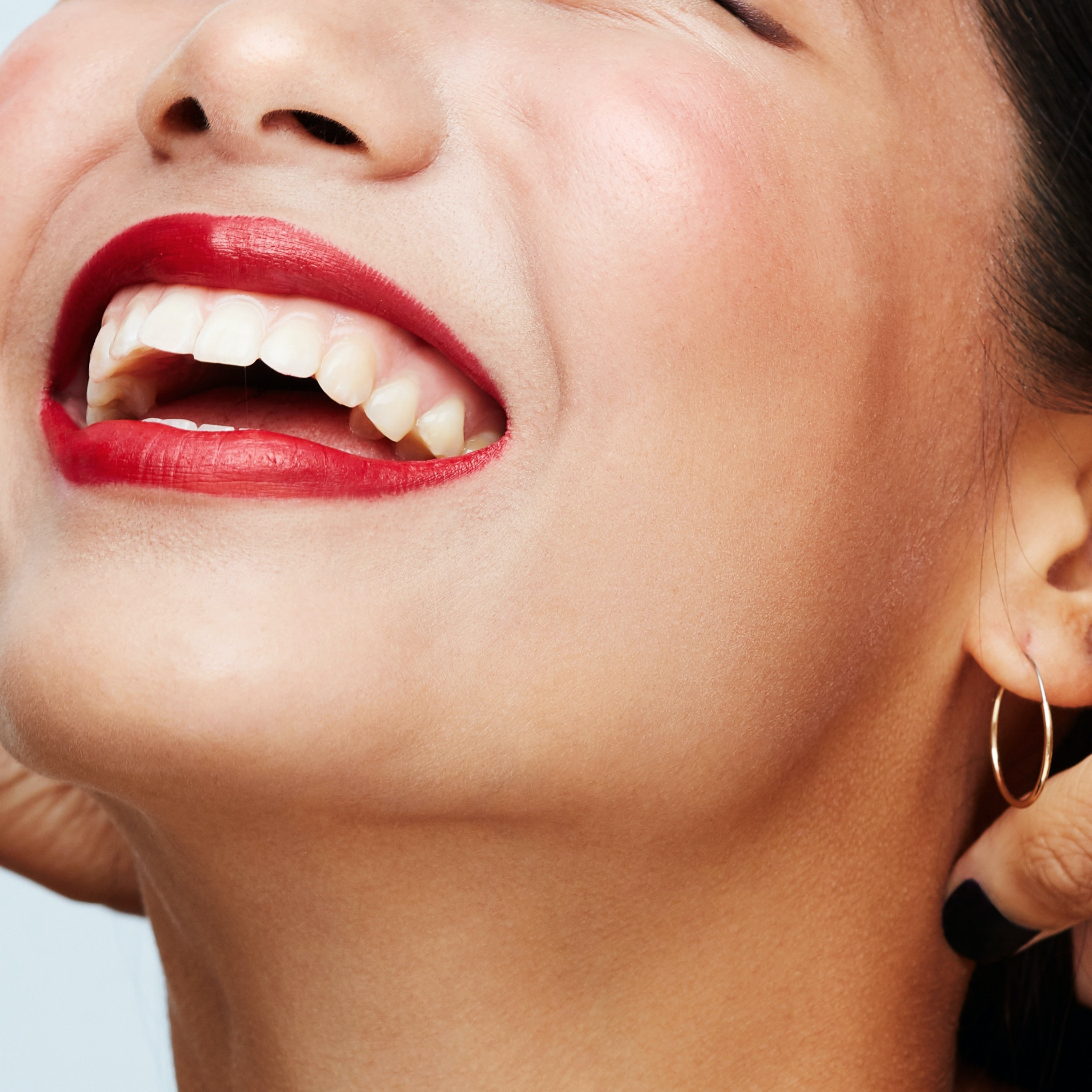 Get a Whiter Smile This Summer With These 6 Dentist-Approved Tips