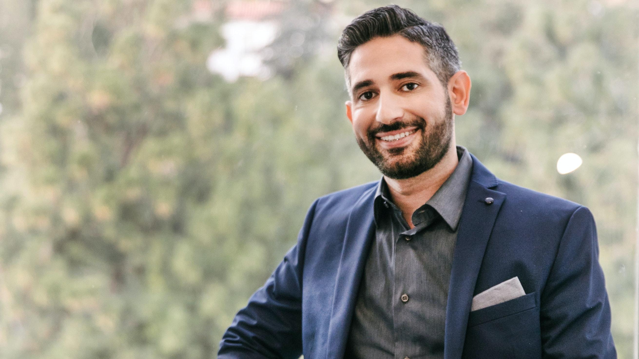 Hollywood Dentist Dr. Matt Nejad Talks Veneers, Injectables, and Eyebrow Grooming