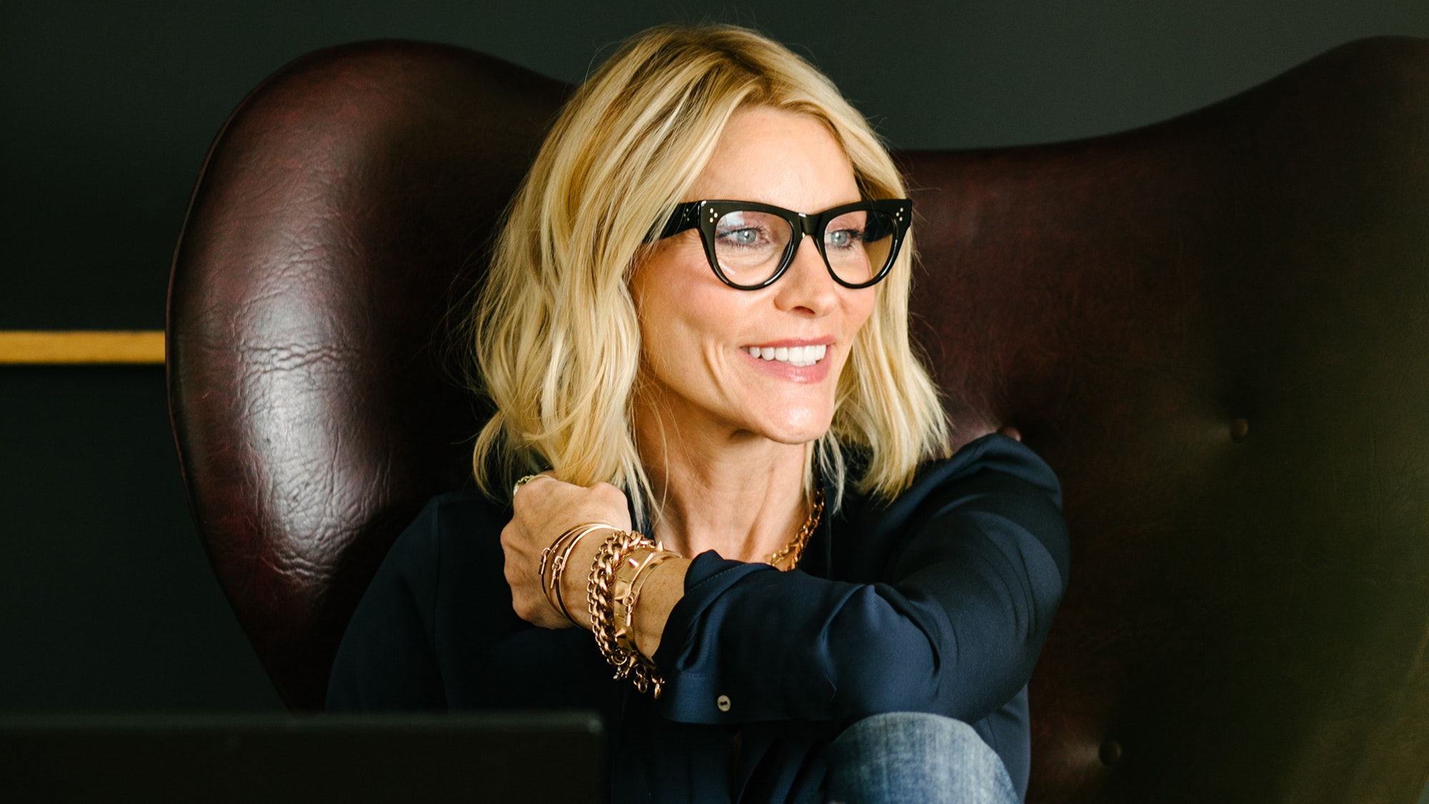 Jillian Dempsey on Hair, Makeup, and the Instagram-Famous Gold Bar Everyone Is Buzzing About