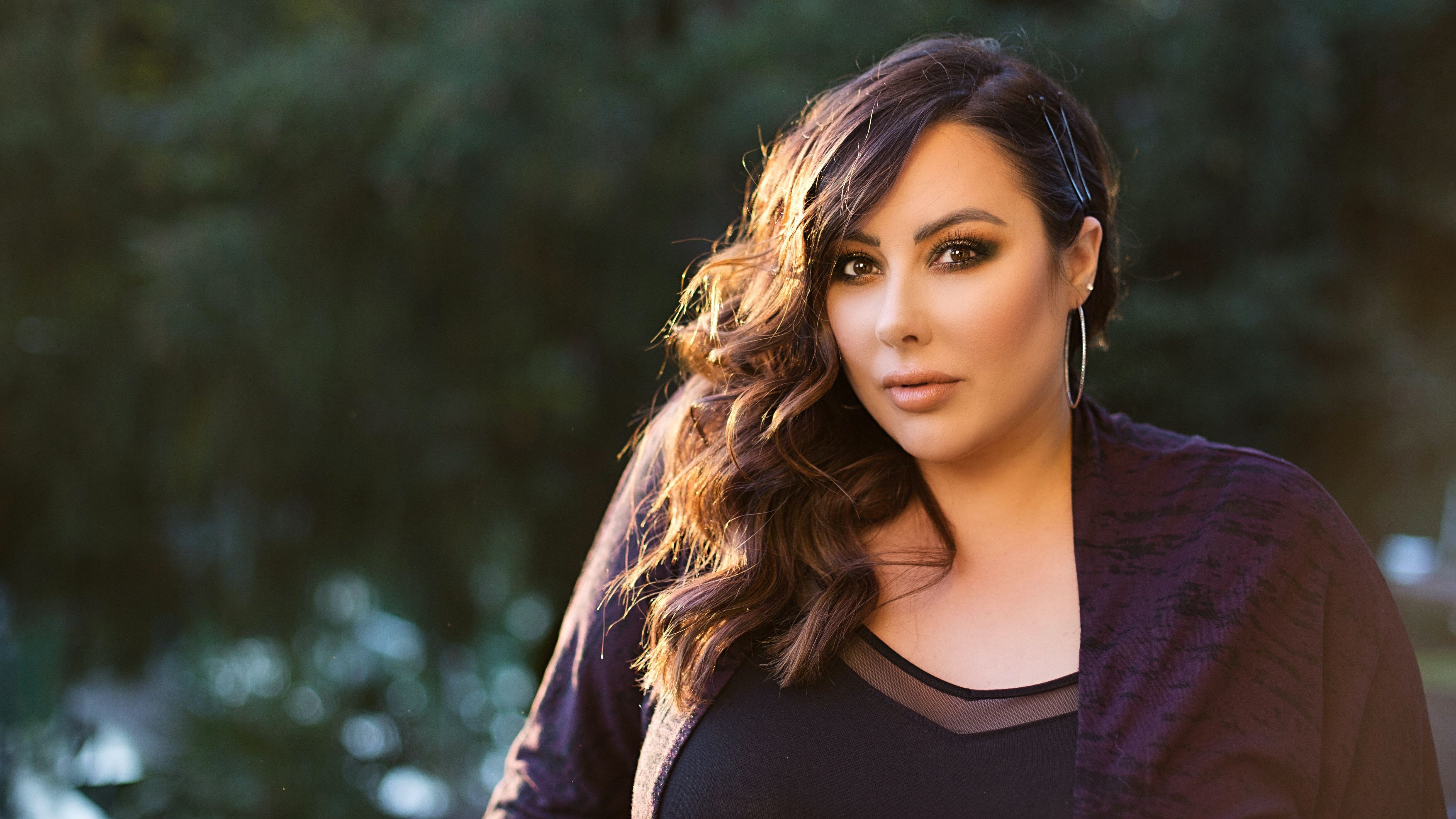 Marlena Stell on Body Positivity, Beauty, Injectables, and Why She Considers Herself a True Makeup Geek