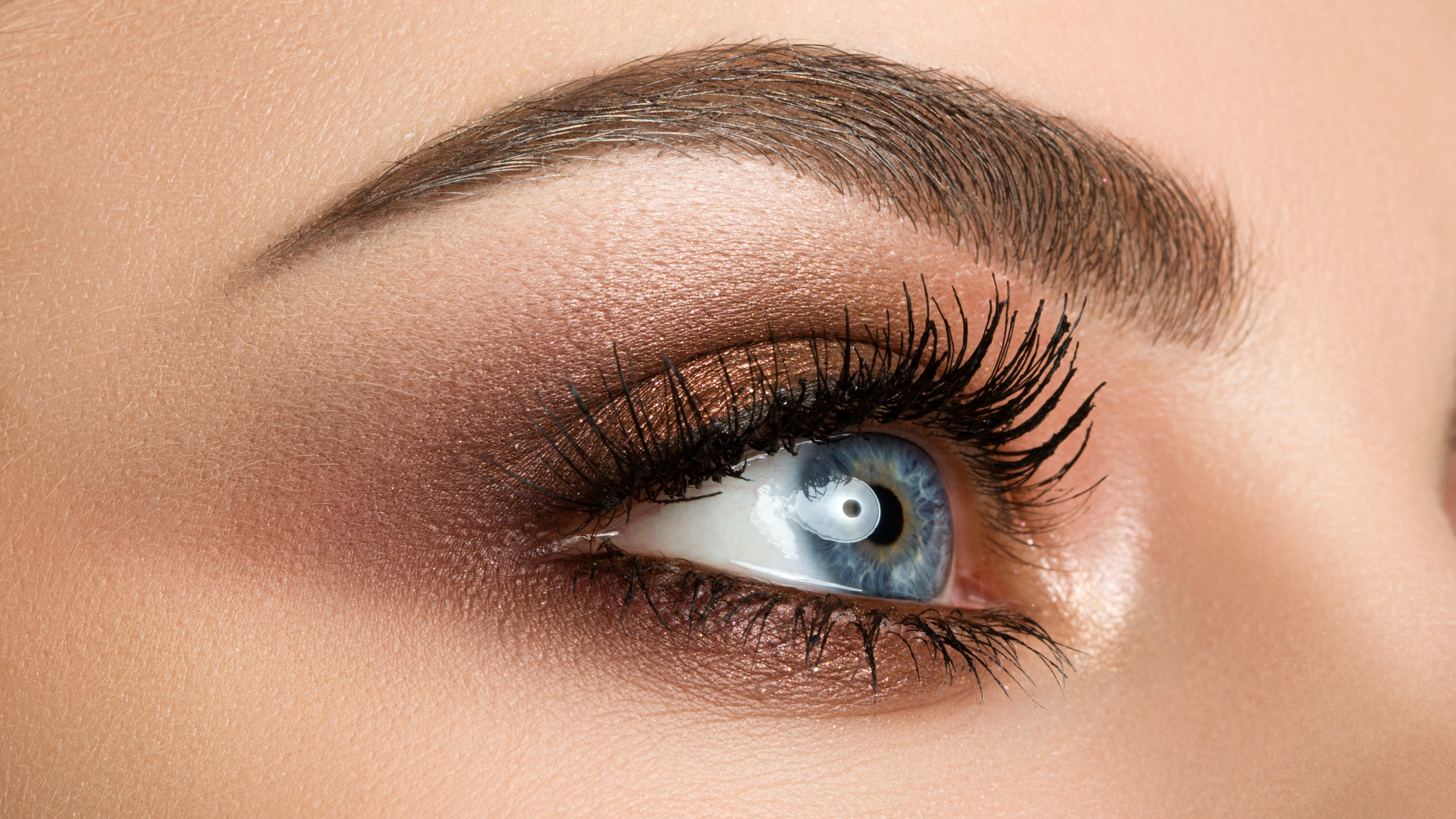 This is How To Remove Individual Lashes — Plus What to Avoid