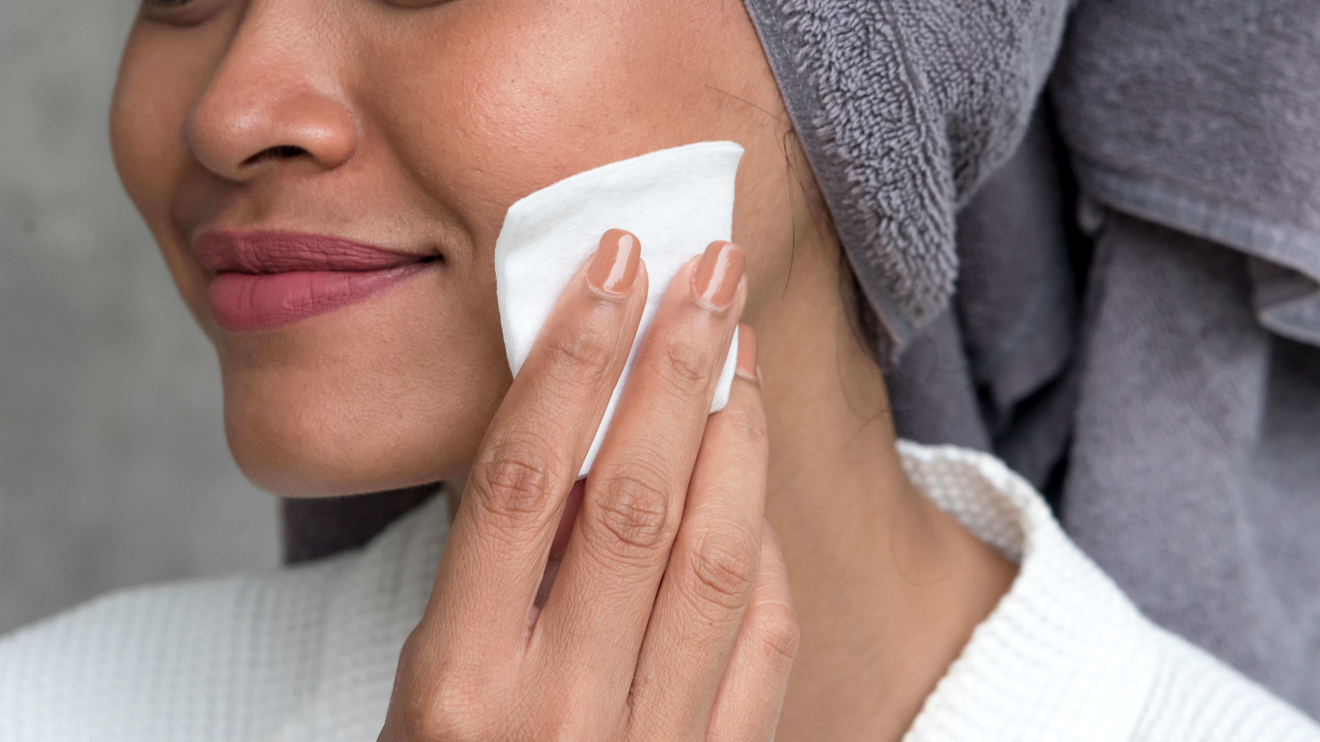 Ask a Derm: What Is Glycolic Acid and How Should I Incorporate It Into My Routine?