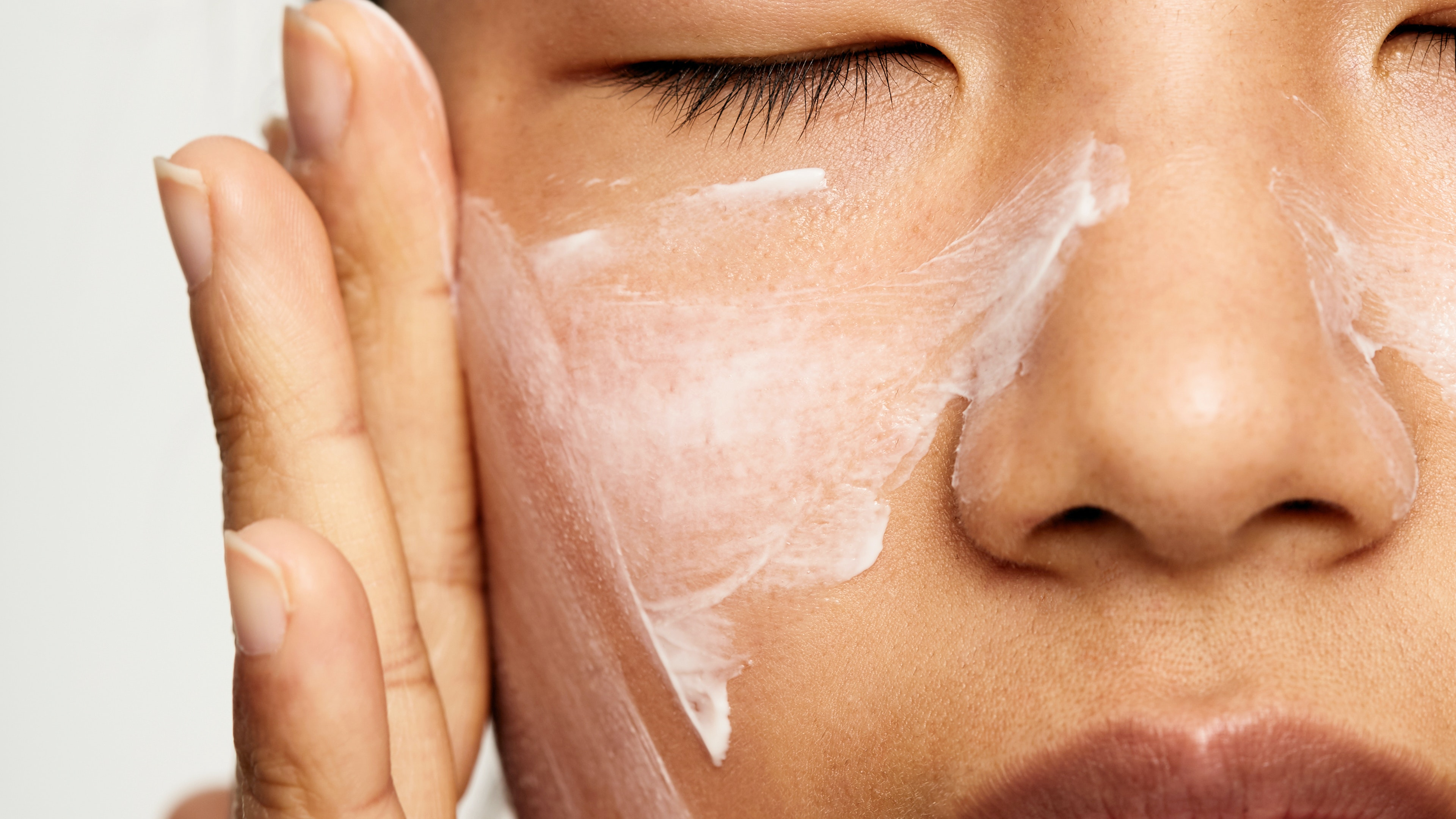 How to Use Retinol If You Have Sensitive Skin, According to Dermatologists