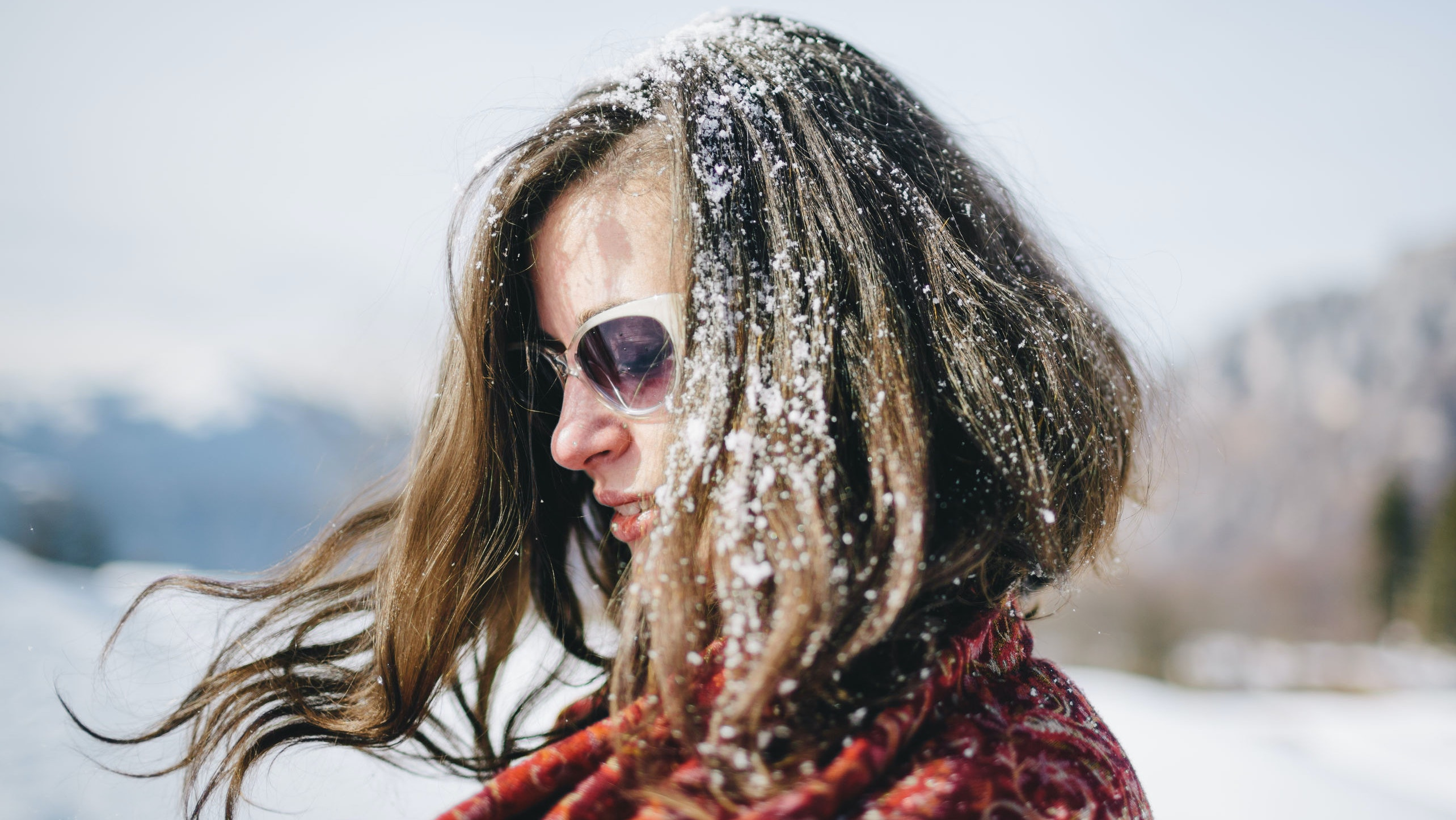 Does Your Scalp Get Itchy in Colder Weather? You Need to Read This