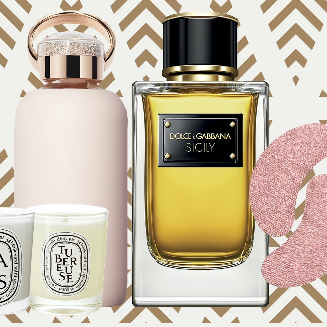 7 Beauty Gifts That Make It Simple For Any Jetsetter to Travel In Style