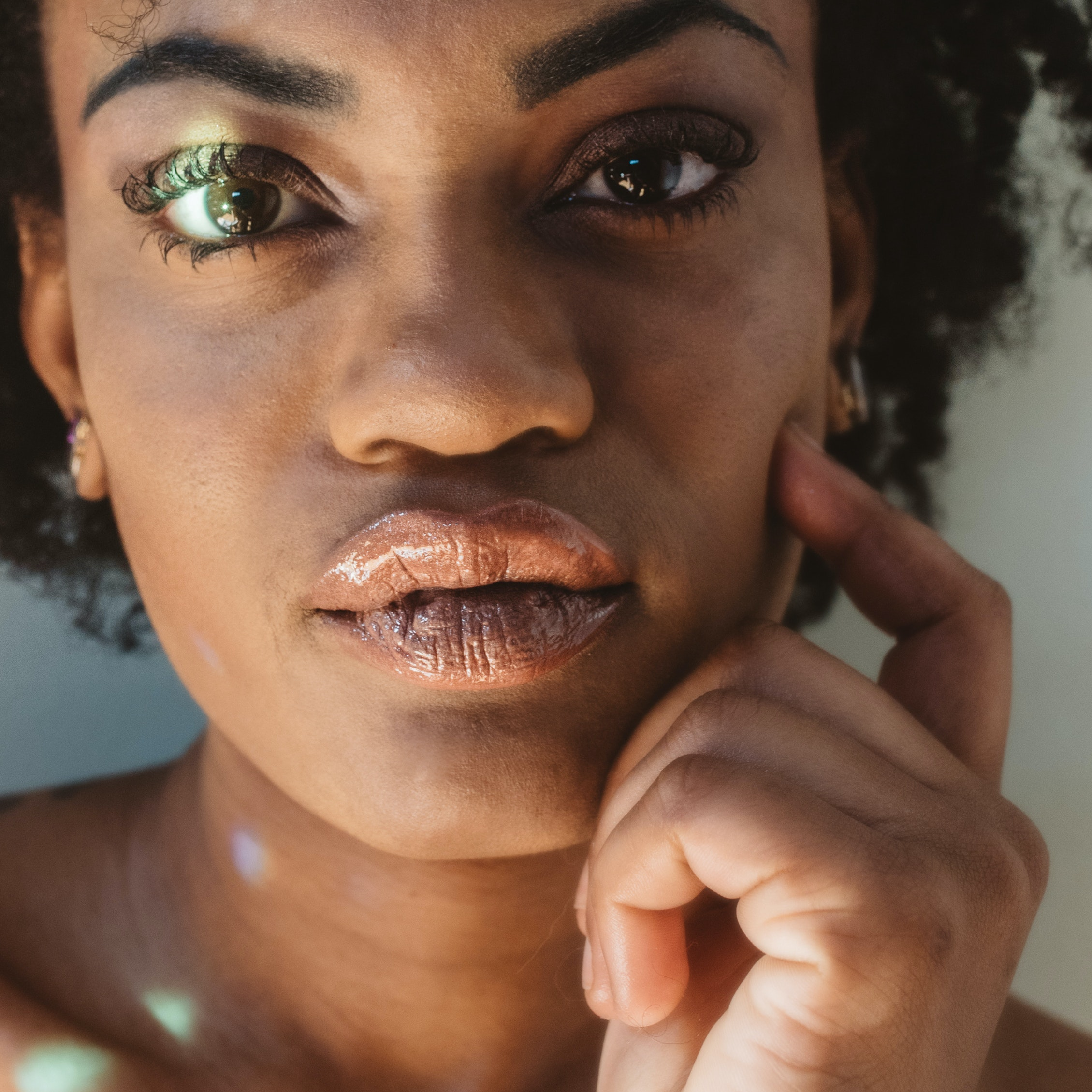 3 Ways You Can Make Sagging Cheeks Look Plumped Up