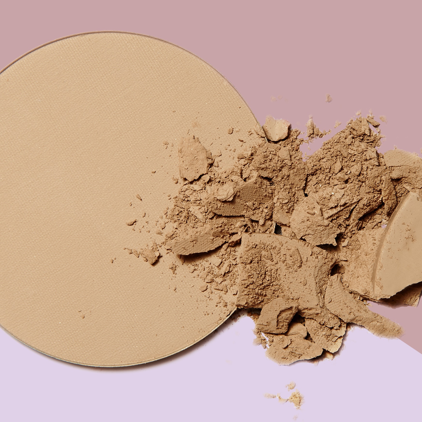A Professional Makeup Artist Explains How to Find the Perfect Powder For You