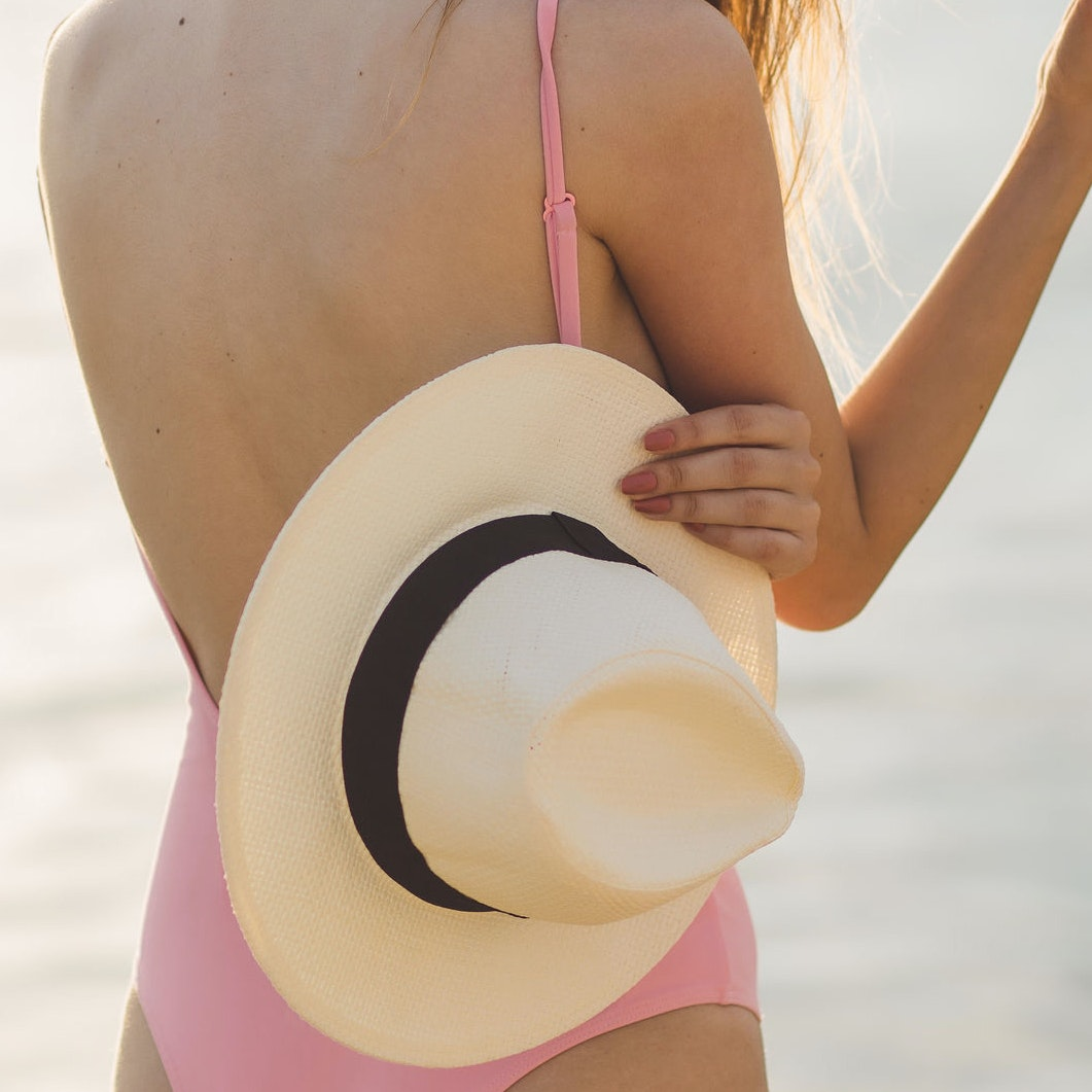 5 Mistakes I Didn't Realize I Was Making In the Sun Until I Married a Dermatologist